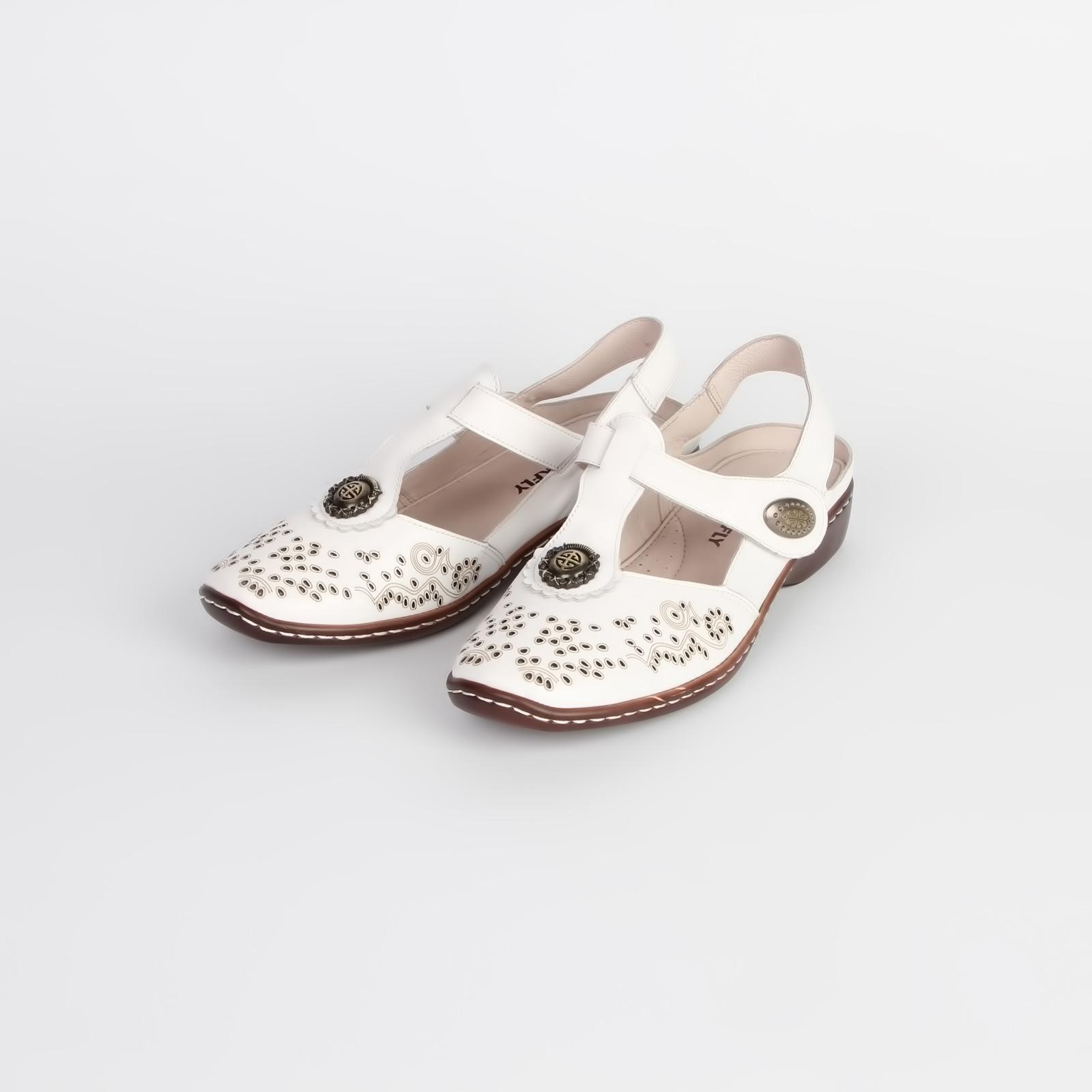 Туфли женские из натуральной кожи украшенные перфорацией и фурнитурой
