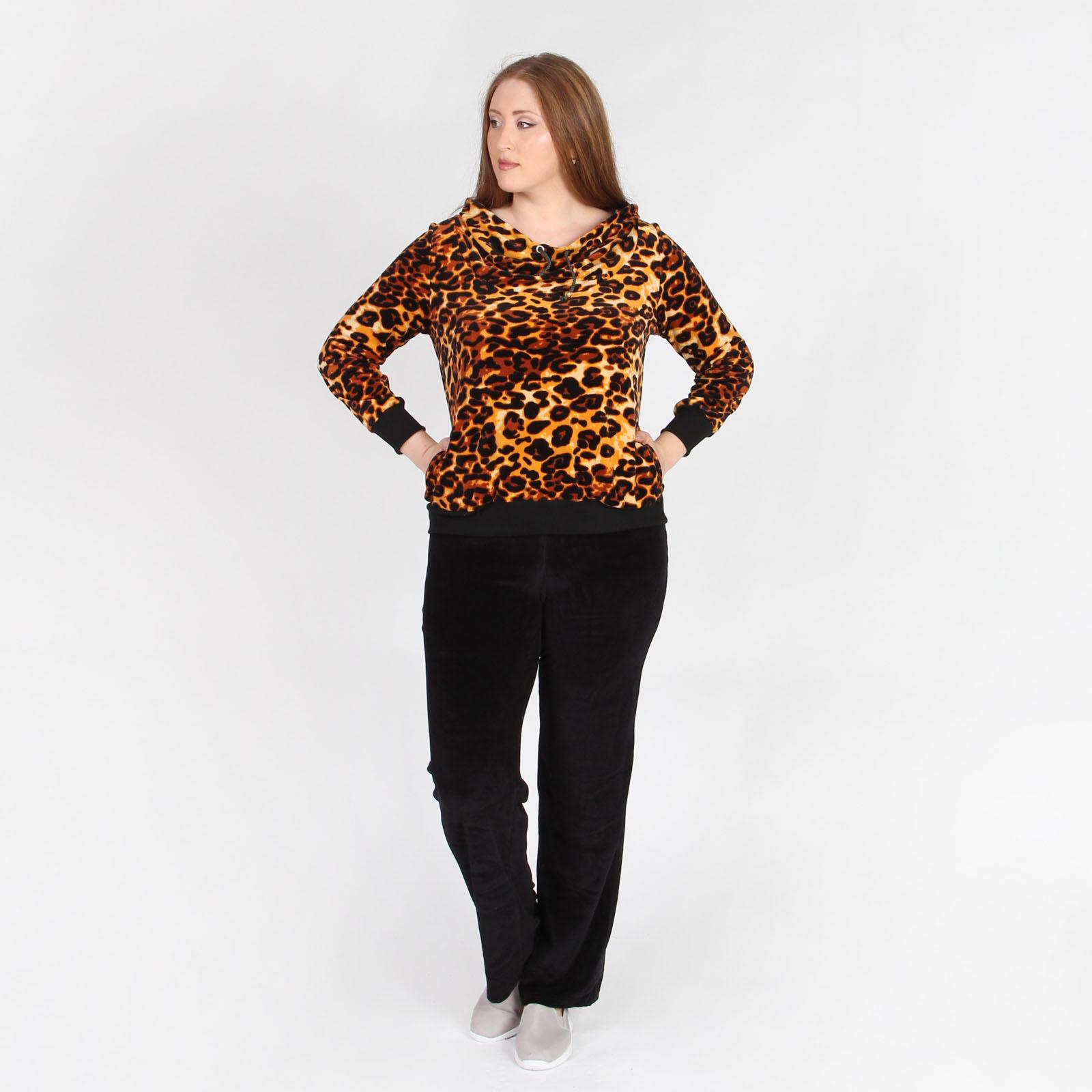 Костюм: куртка с леопардовым принтом и брюки