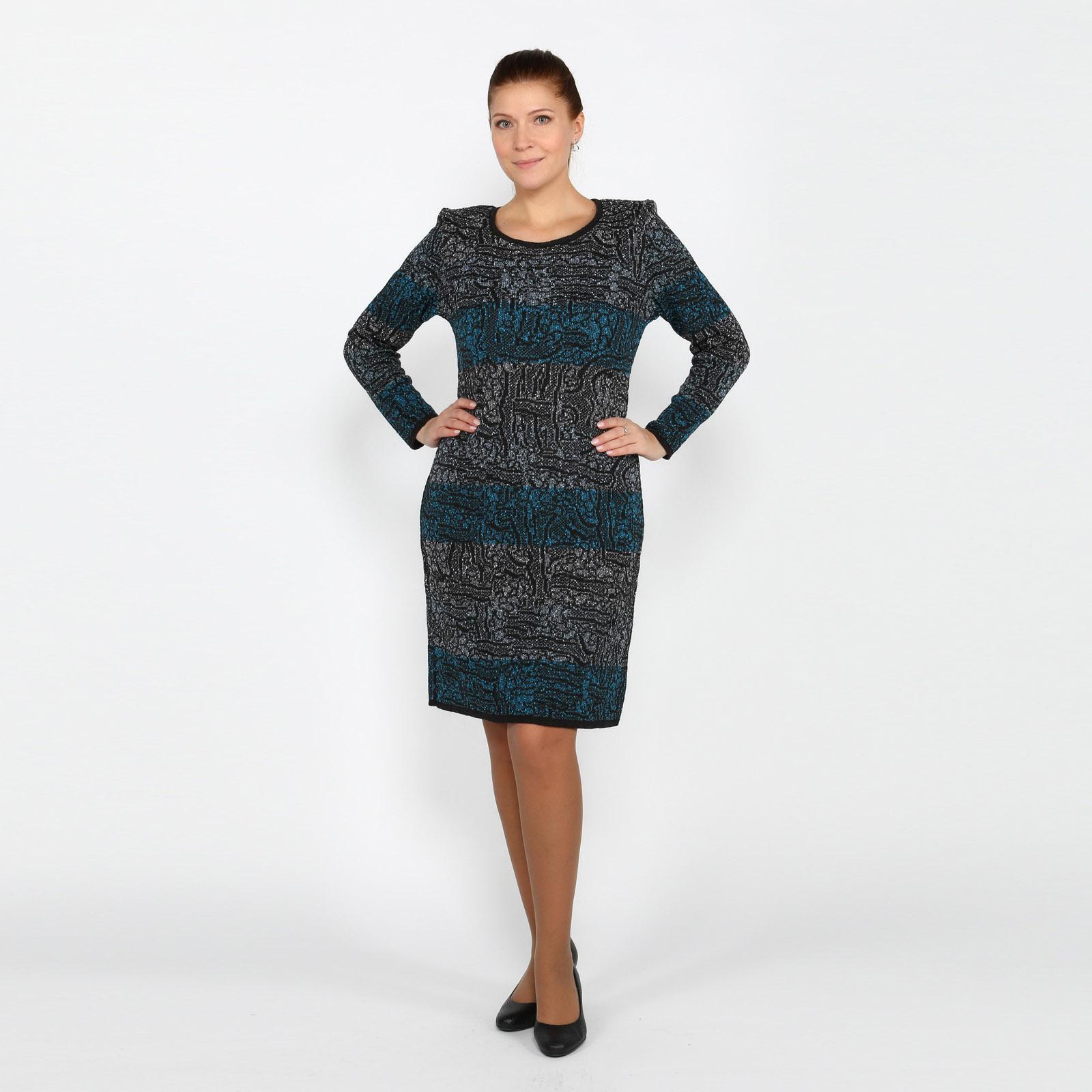Платье с округлым вырезом и длинными рукавами