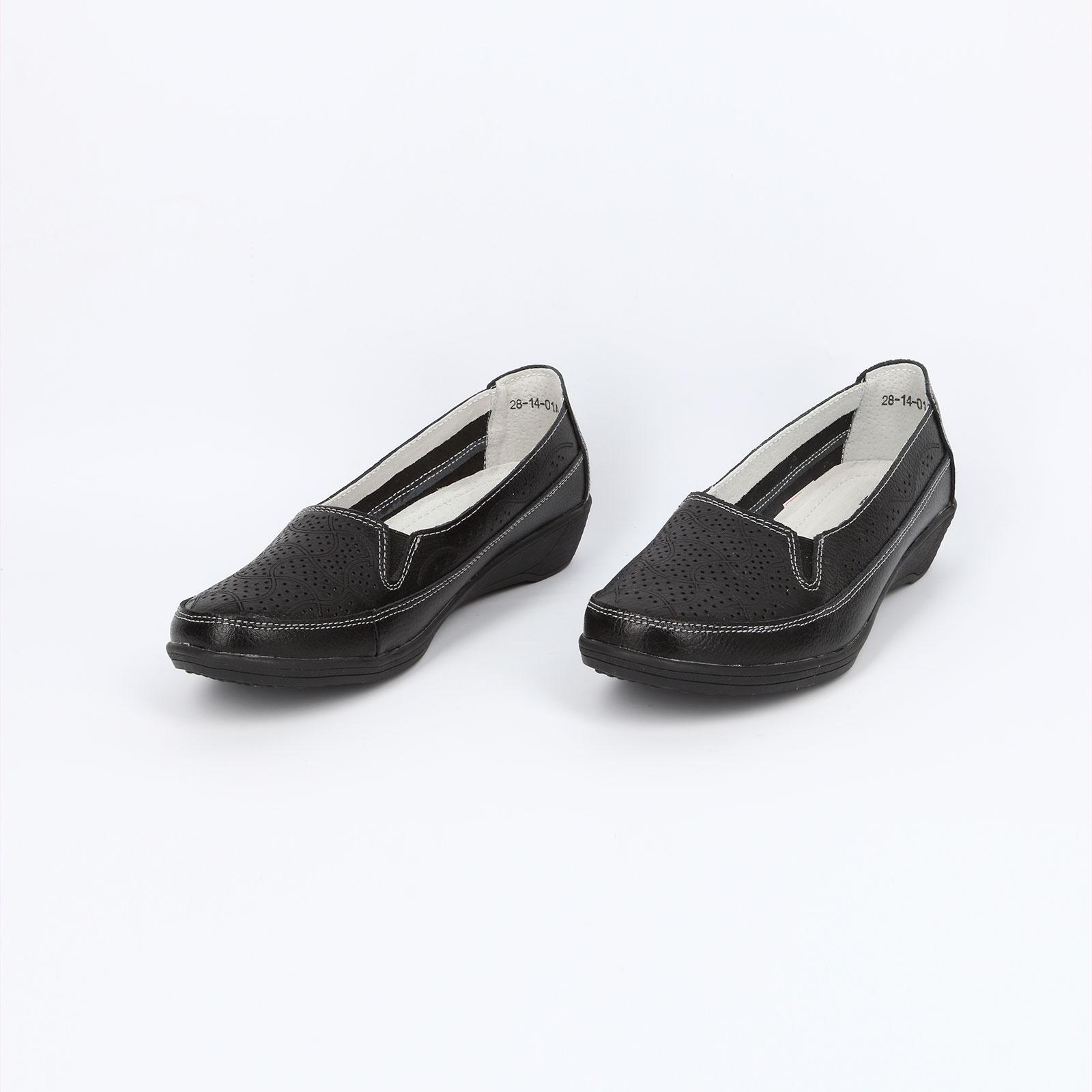 Летние женские туфли с эластичными вставками