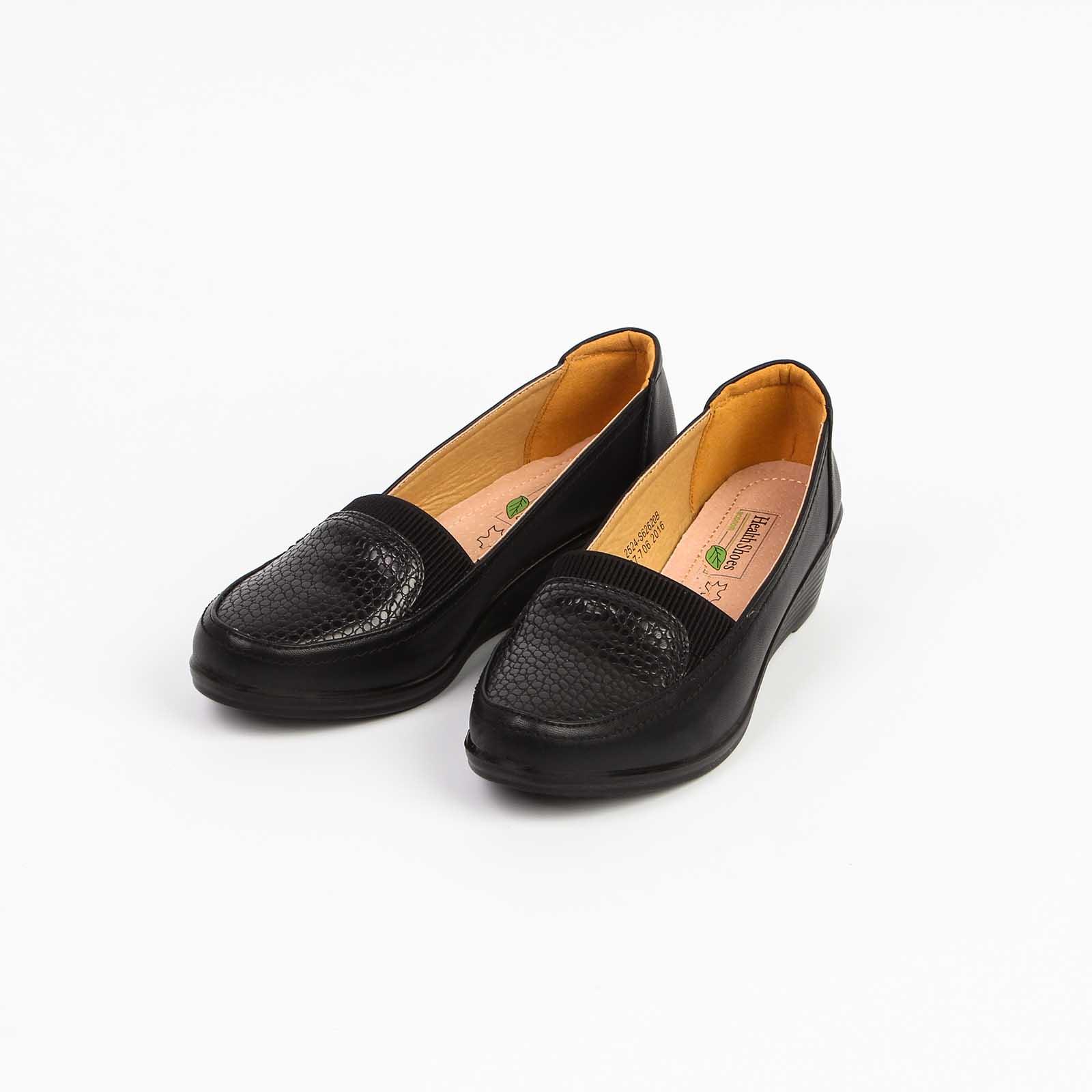 Туфли женские с эластичными вставками на танкетке