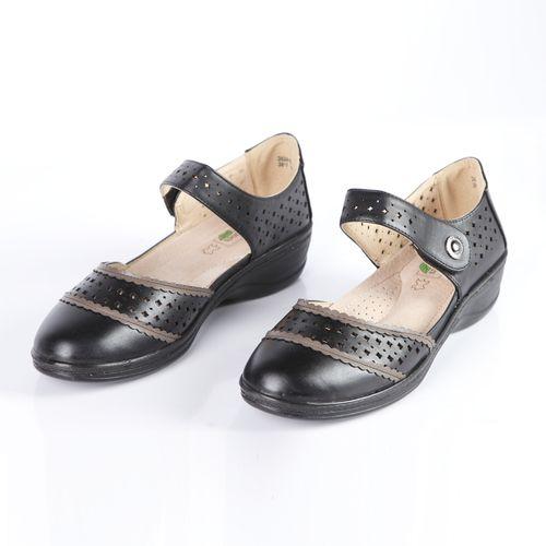 Туфли женские на удобной застежке с перфорированной поверхностью