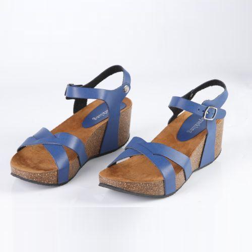 Женские сандалии на ремешках и платформе