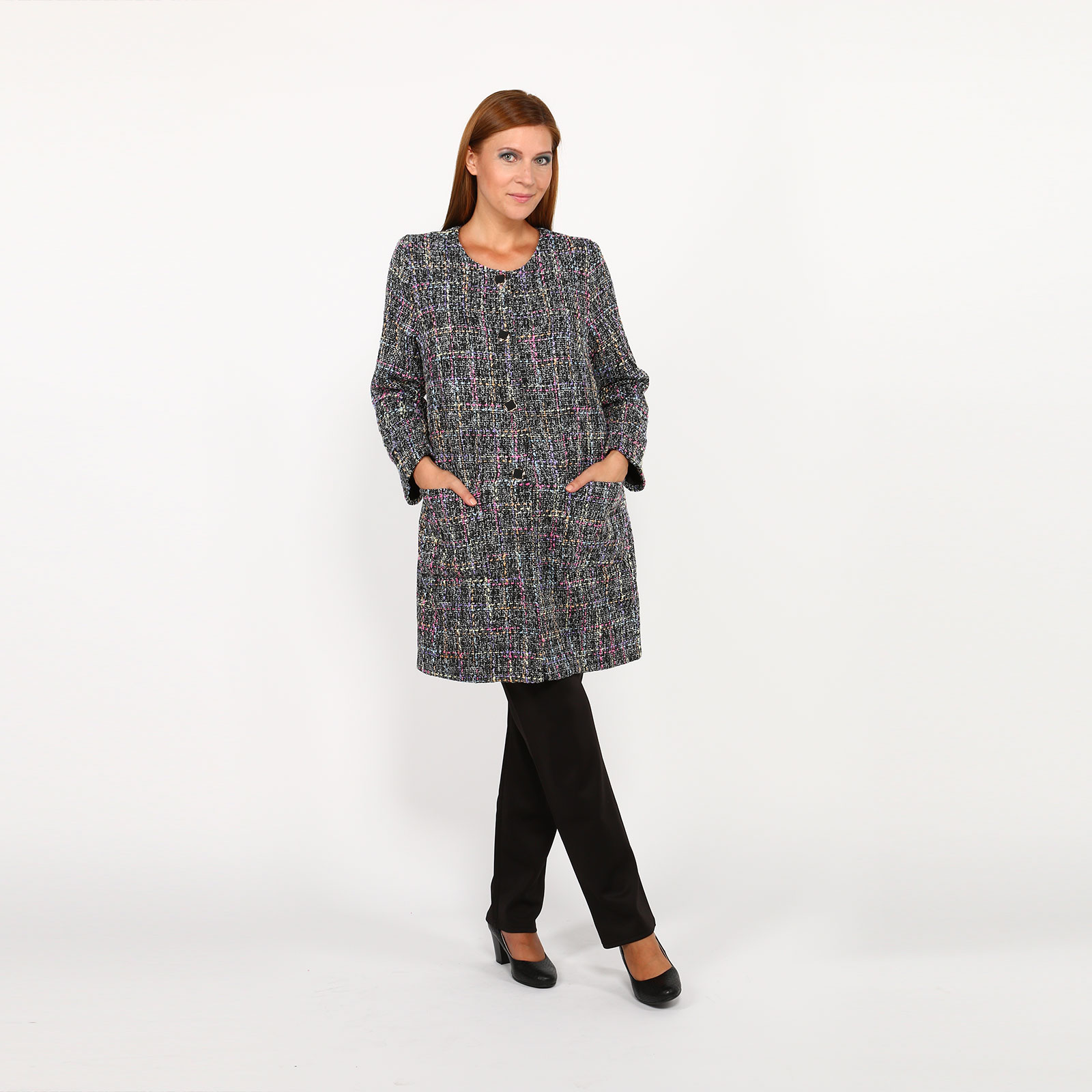 Пальто с пуговицами и карманами