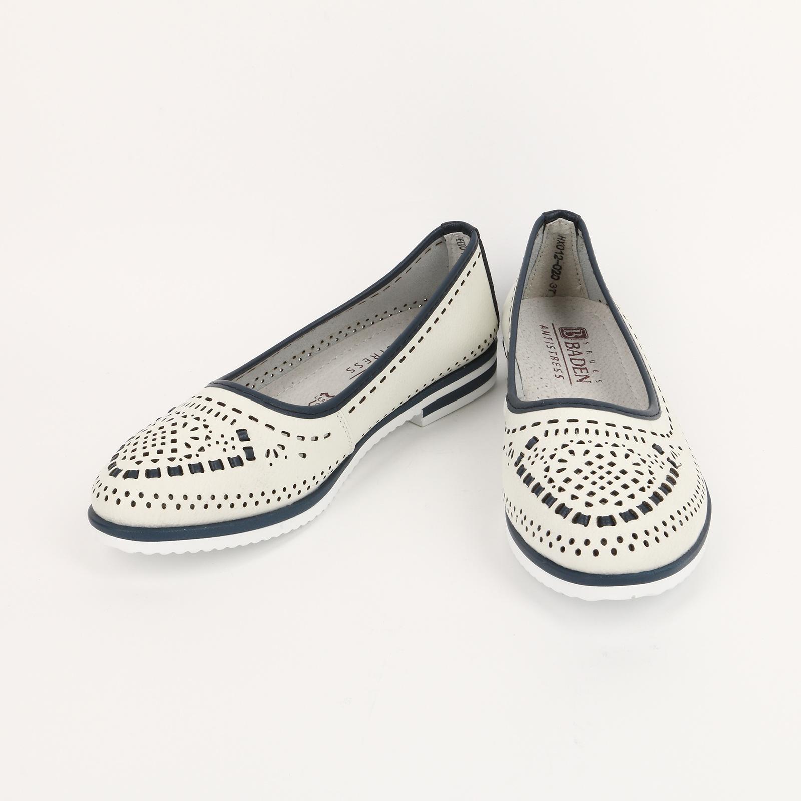 Туфли с рисунком и контрастными вставками