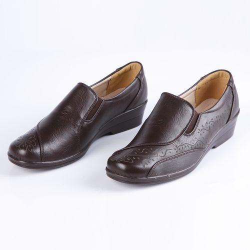 Туфли женские украшенные узорной перфорацией и вставками