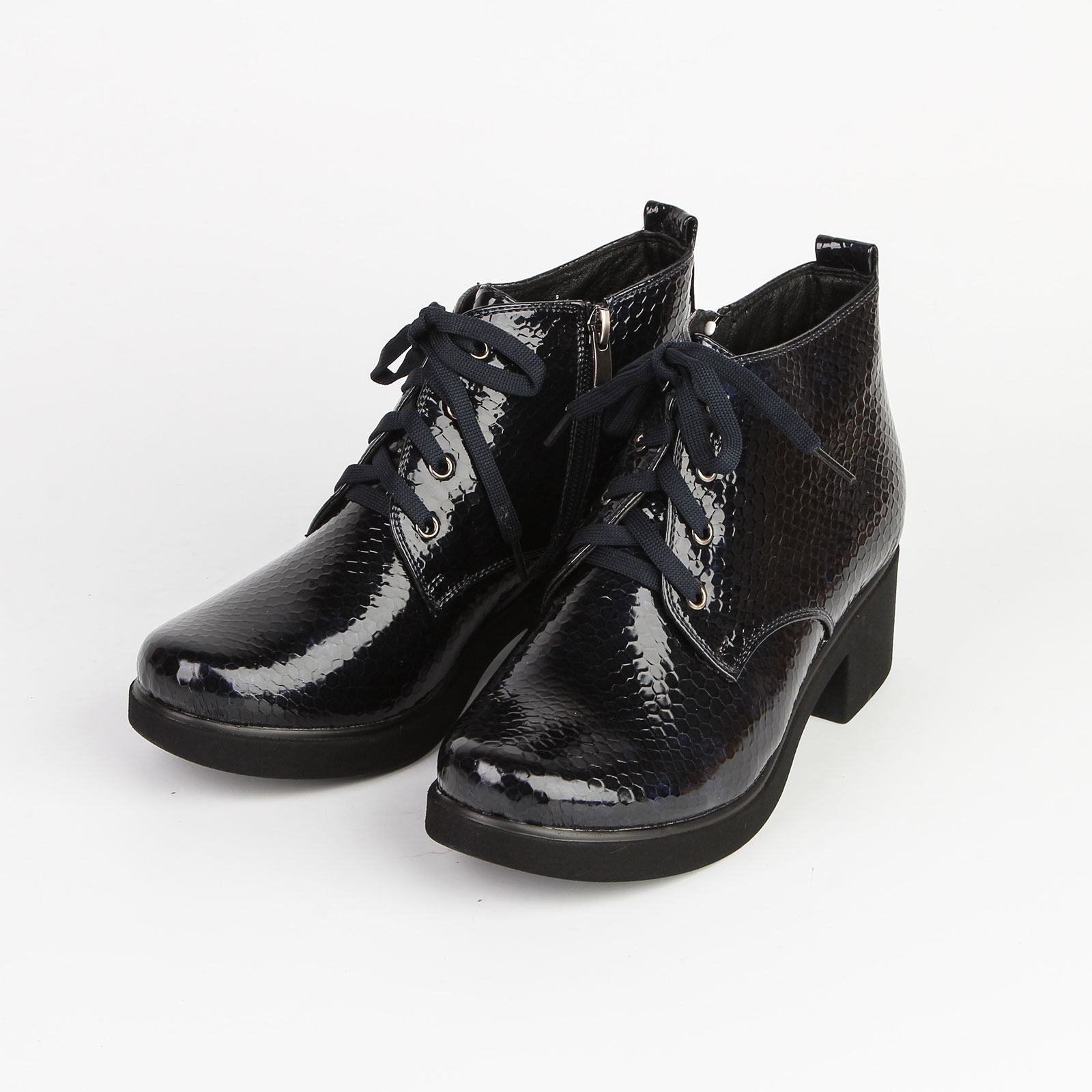 Ботинки женские рептилия на шнуровке