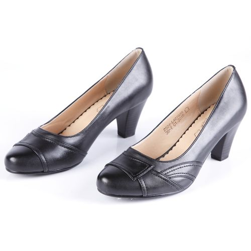 Туфли женские с декорированным мысом на каблуке