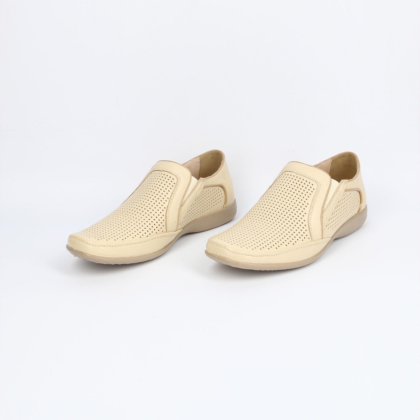 Туфли мужские декорированные перфорацией