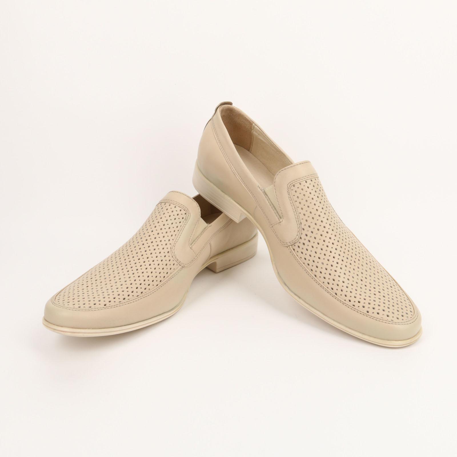 Туфли с перфорацией и на устойчивом каблуке