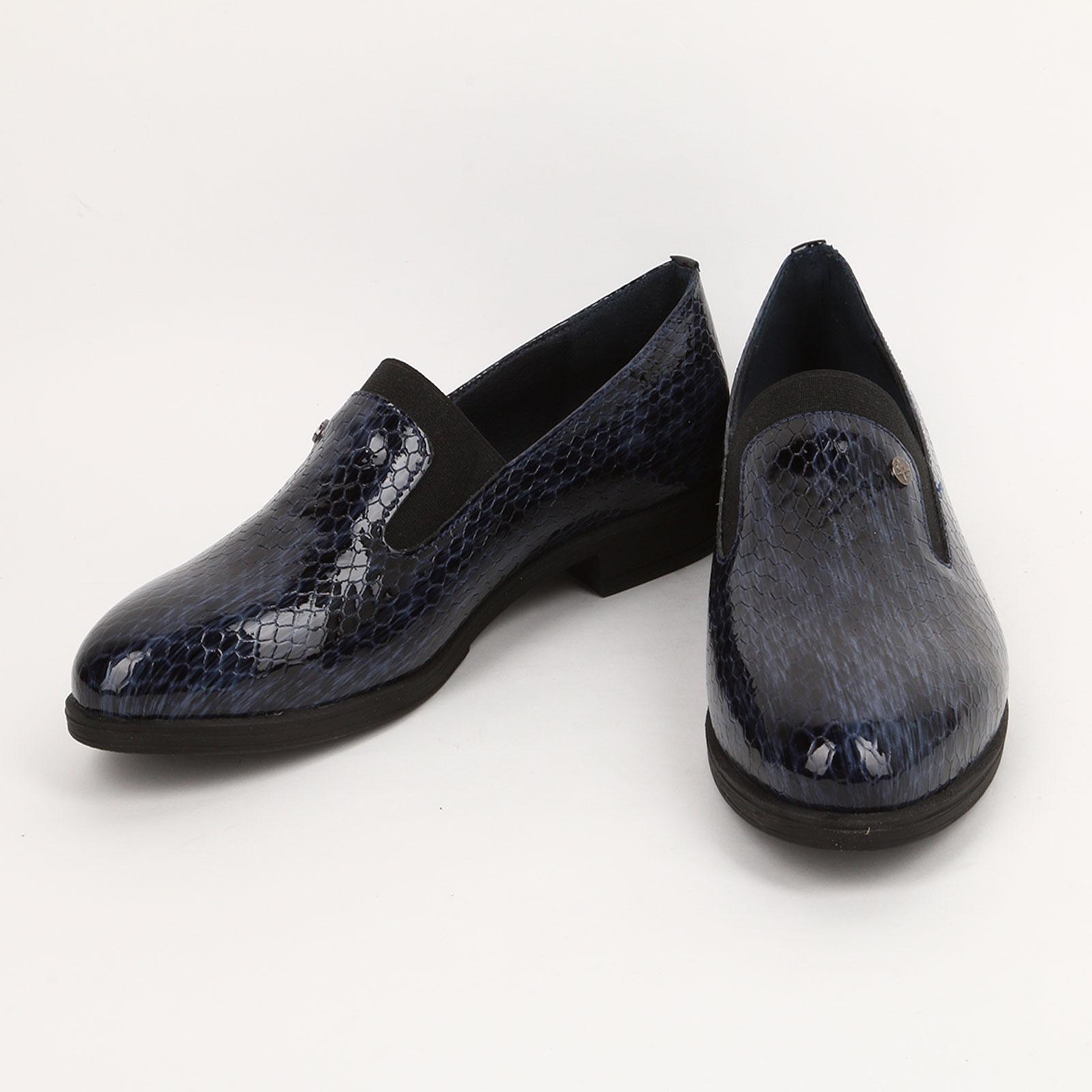 Полуботинки с фактурным рисунком и резинкой обувь shoiberg