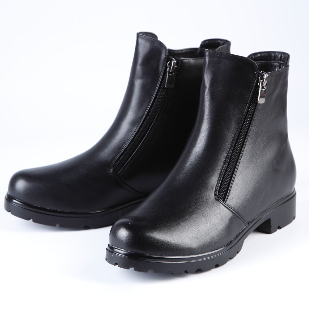 Ботинки женские на утолщенной рифленой подошве и молнии