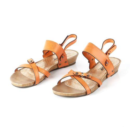 Женские сандалии украшенные оригинальными ремешками
