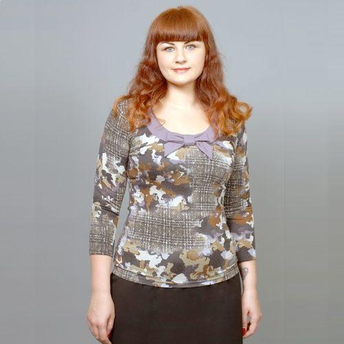 Блуза с декоративным бантом