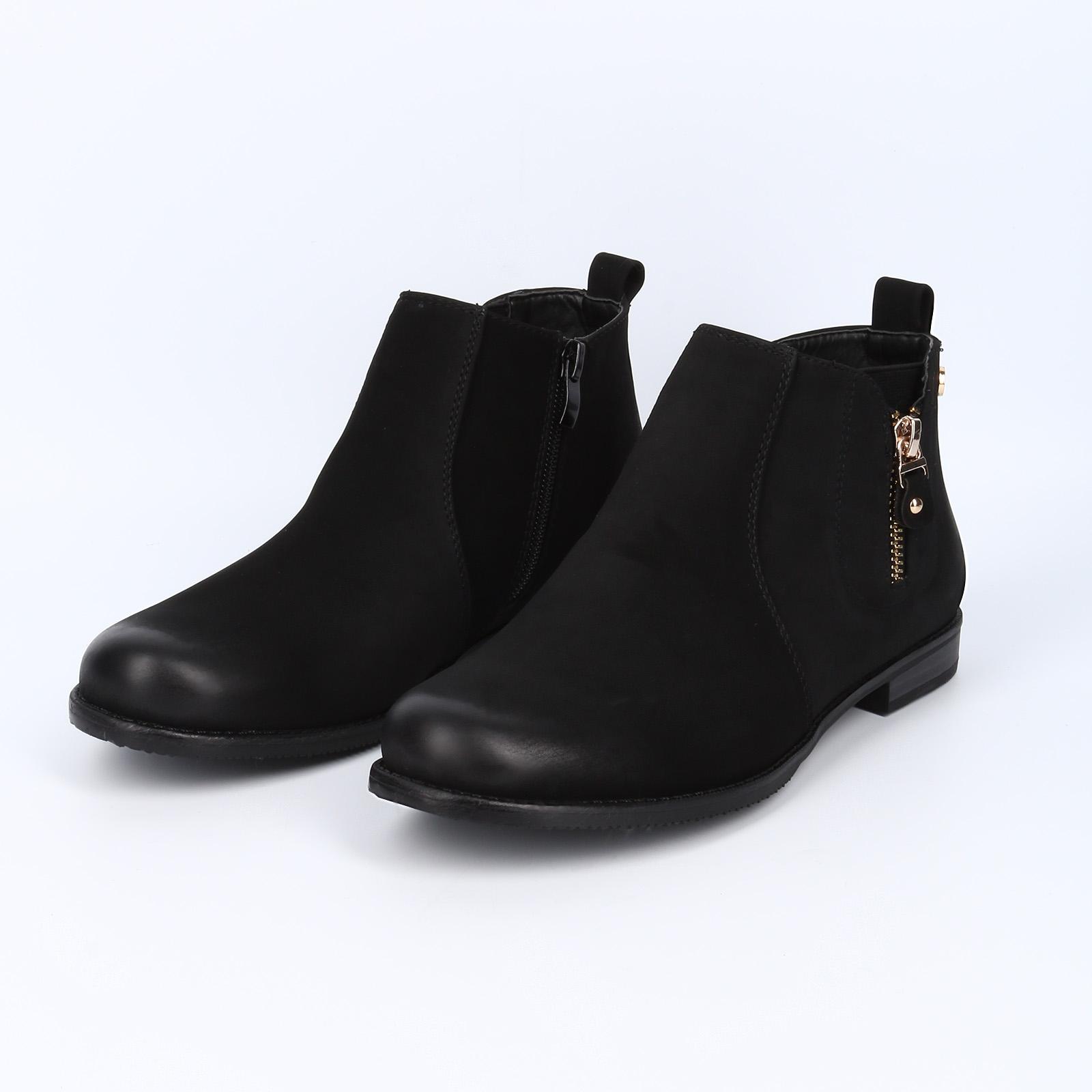 Ботинки на молнии с эластичной вставкой