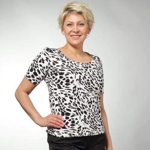 Блуза с укороченным рукавом и ярким принтом