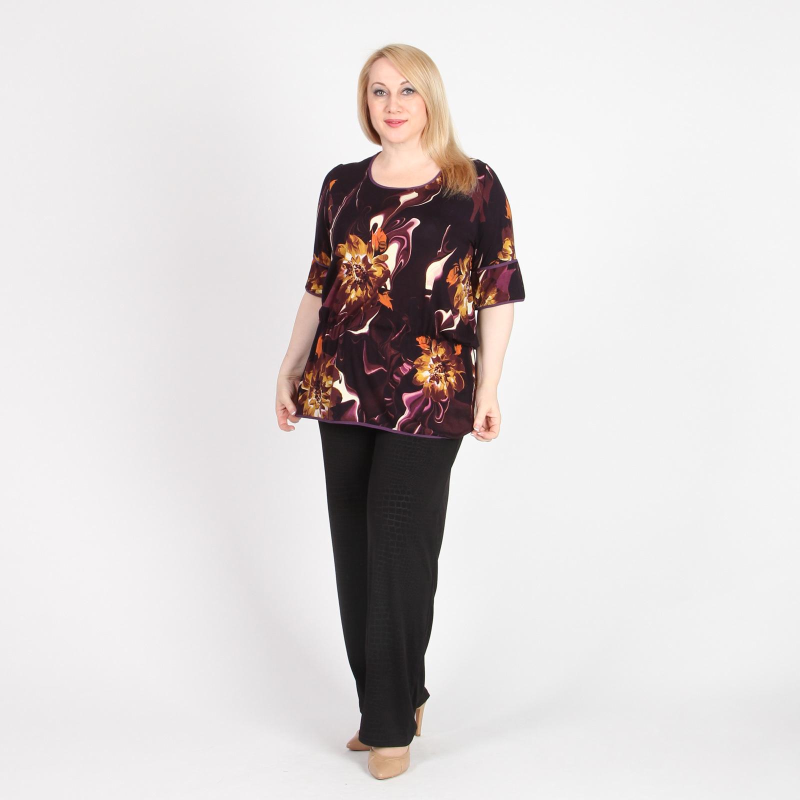 Блуза оригинального кроя с округлым вырезом и коротким рукавом