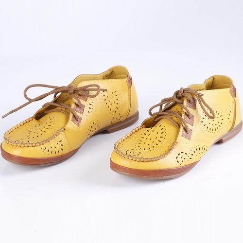 Ботинки женские с перфорированной поверхностью на шнуровке
