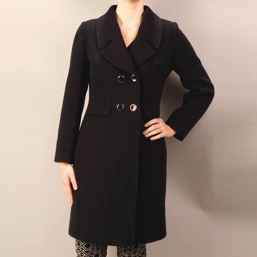 Двубортное велюровое пальто