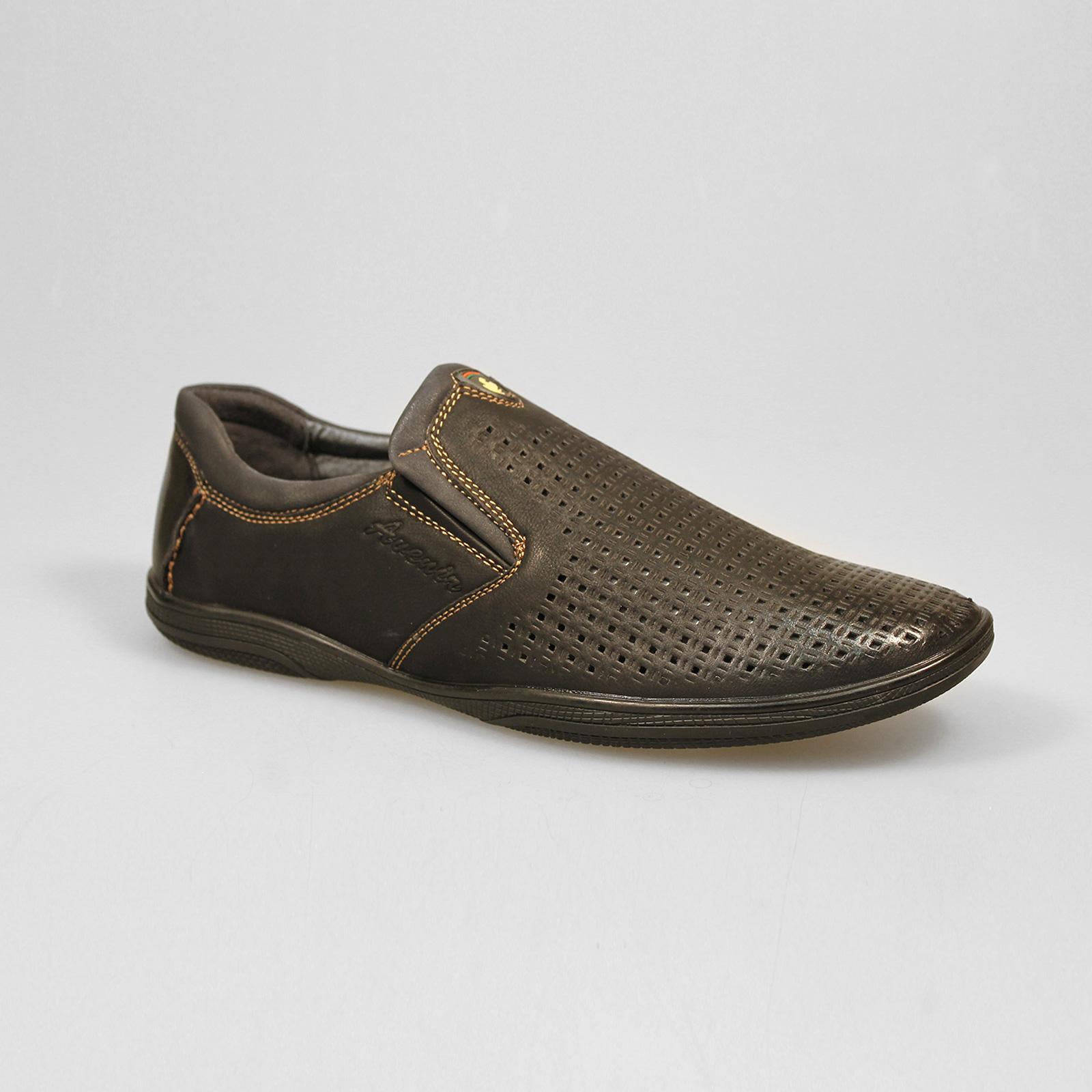 Туфли мужские декорированные мелкой сквозной перфорацией на мысу