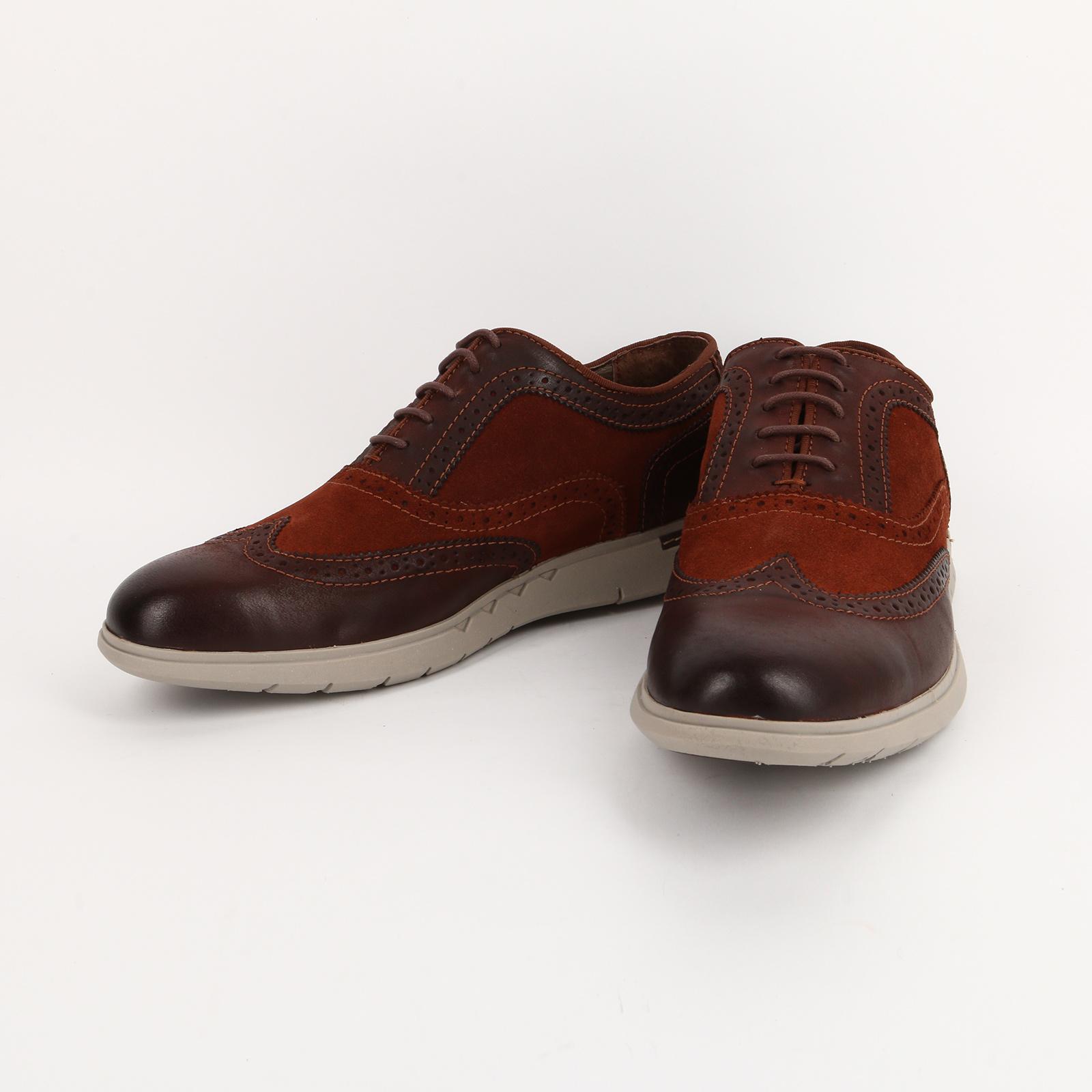 Туфли мужские с декоративной перфорацией