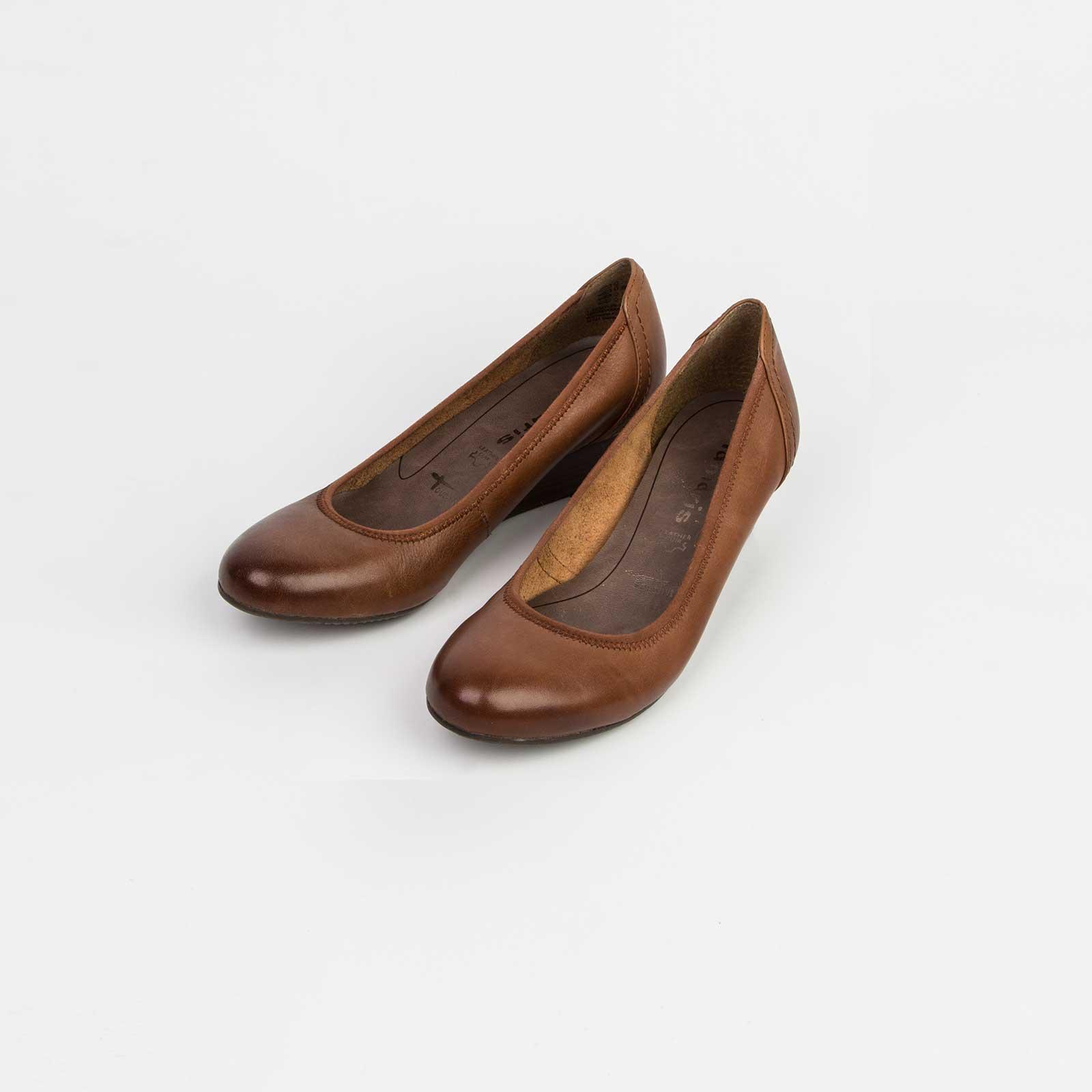 Туфли женские из натуральной кожи на небольшой танкетке