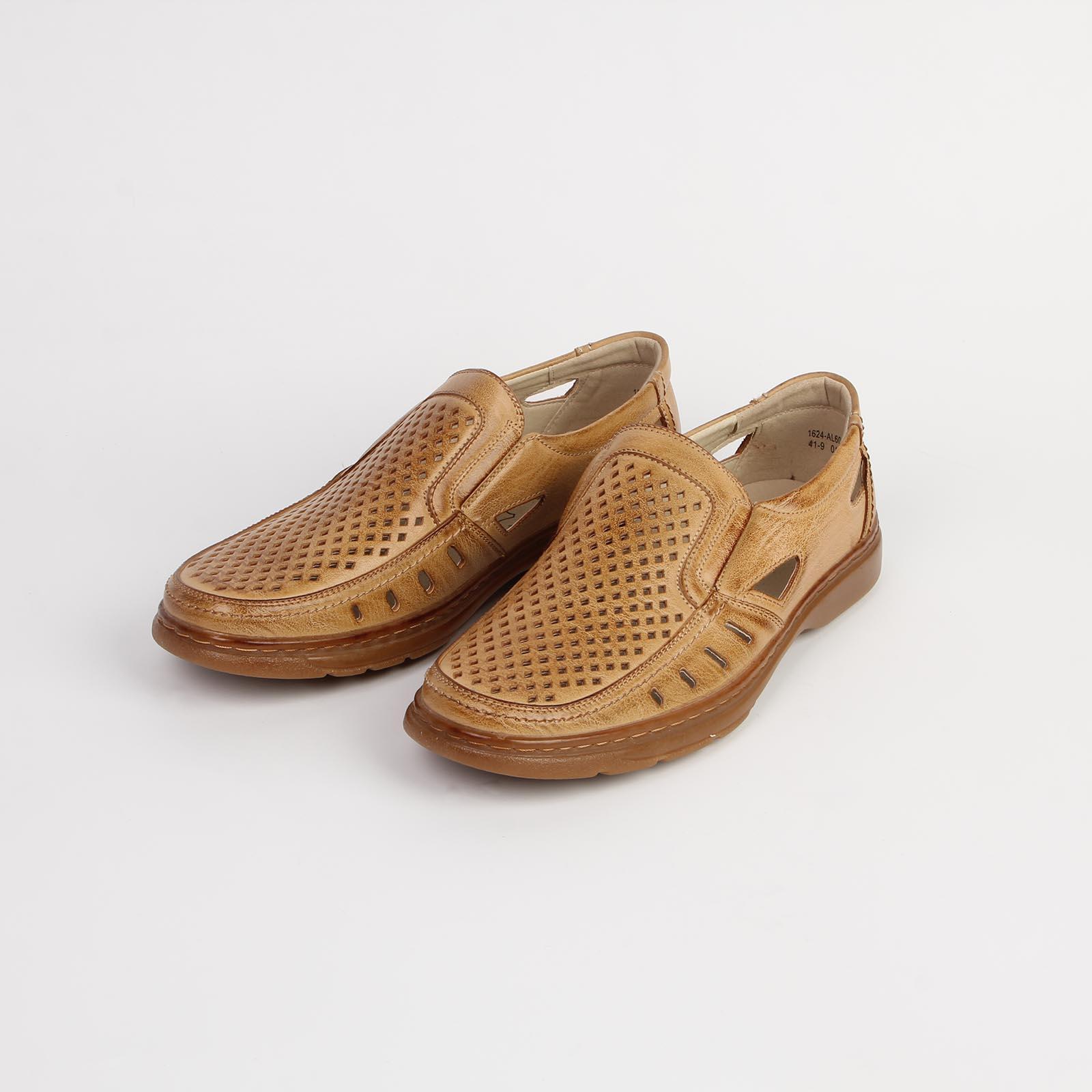 Туфли мужские украшенные перфорацией на удобной подошве