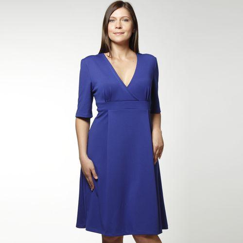 Платье с отрезной кокеткой и V-образным вырезом