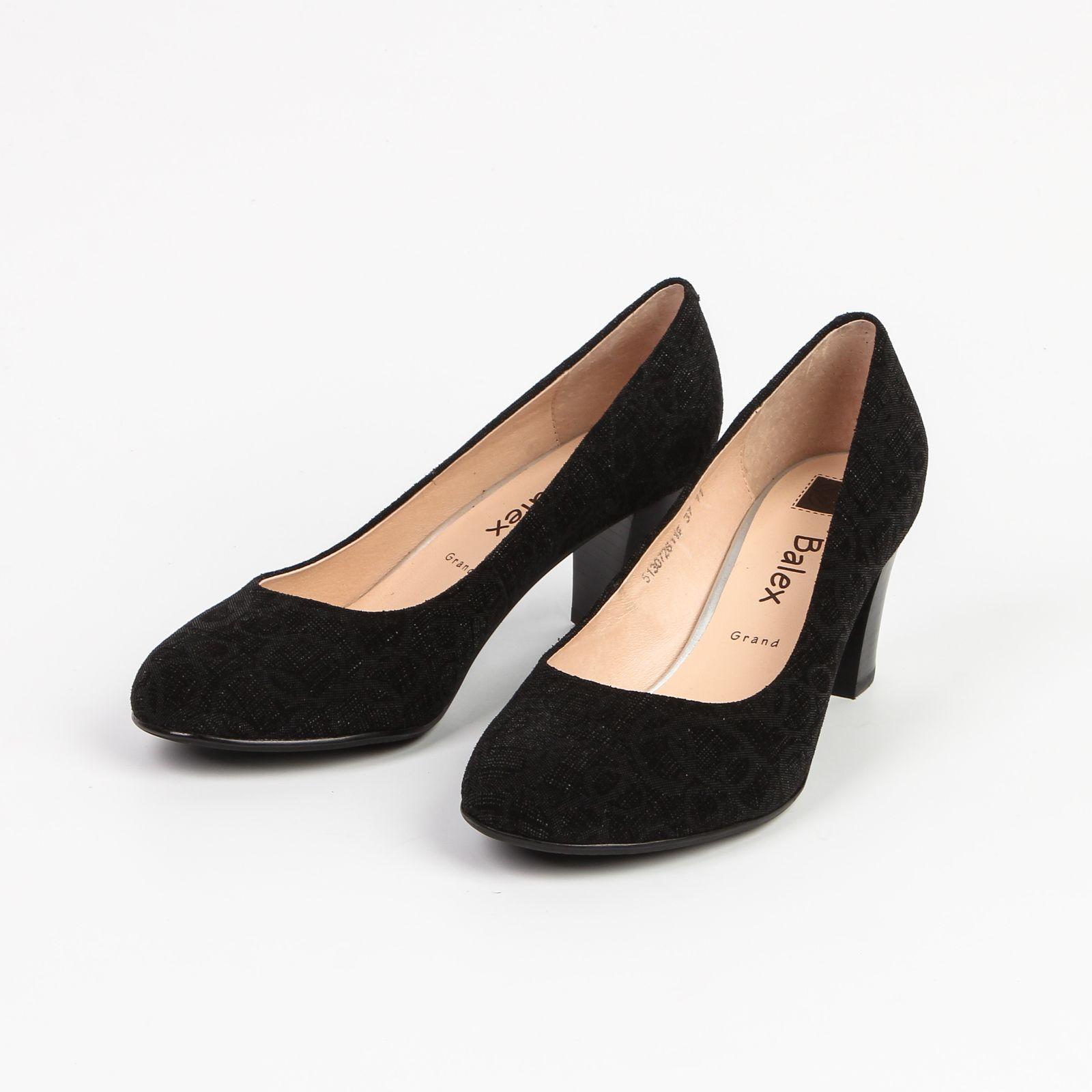 Туфли женские с изящным узором
