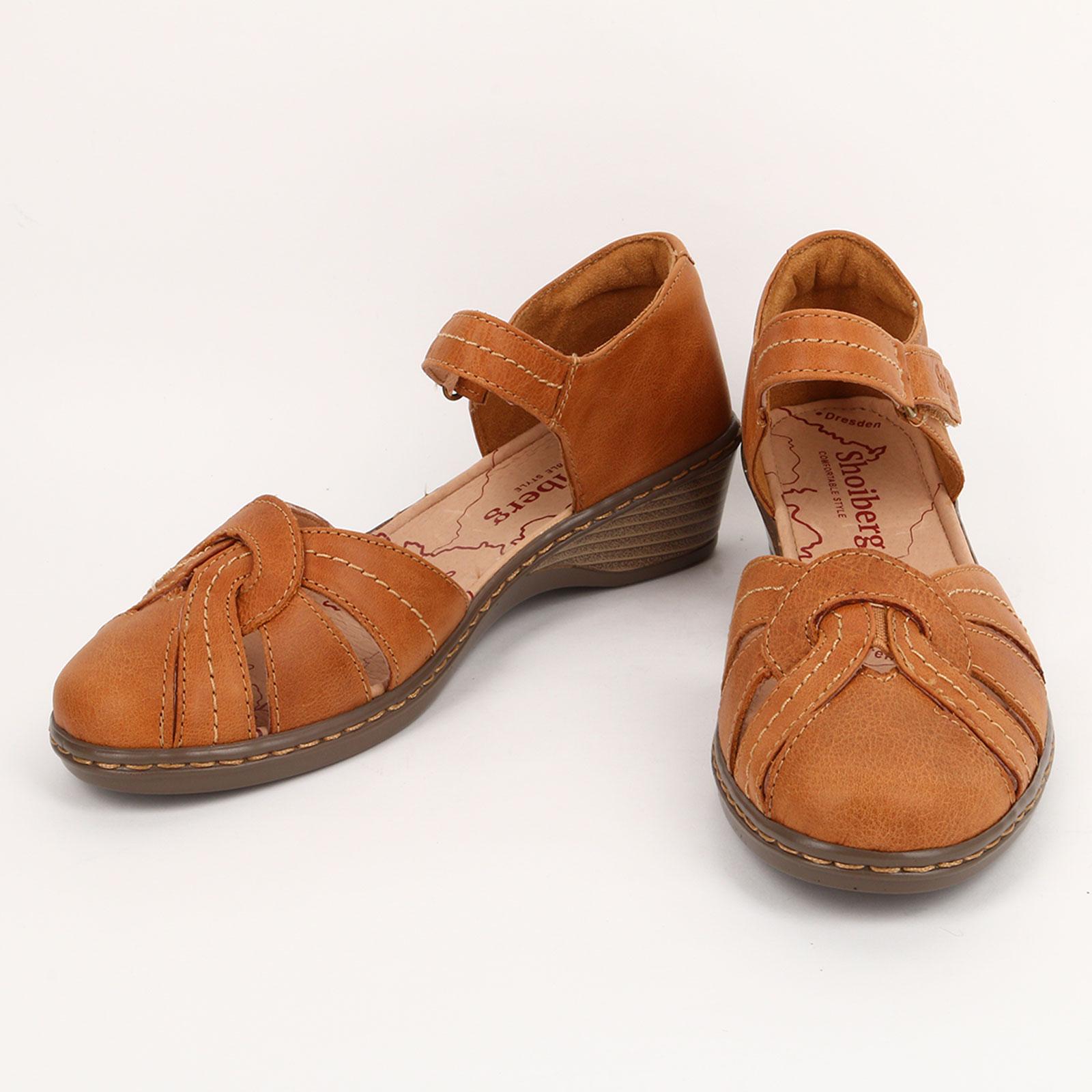 Босоножки на танкетке с оригинальным мысом обувь shoiberg