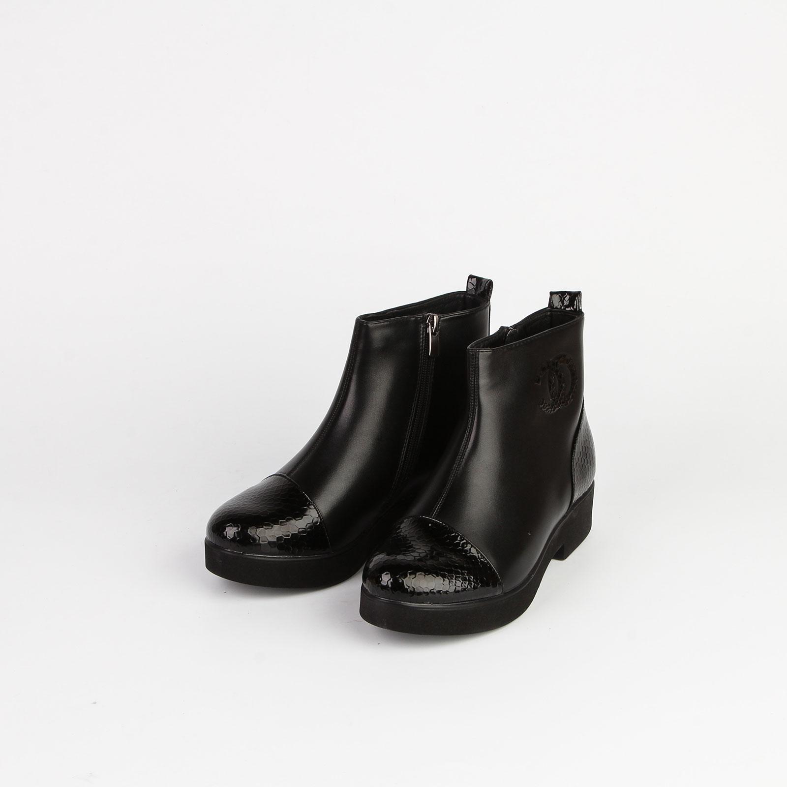 Ботинки женские с мыском рептилия