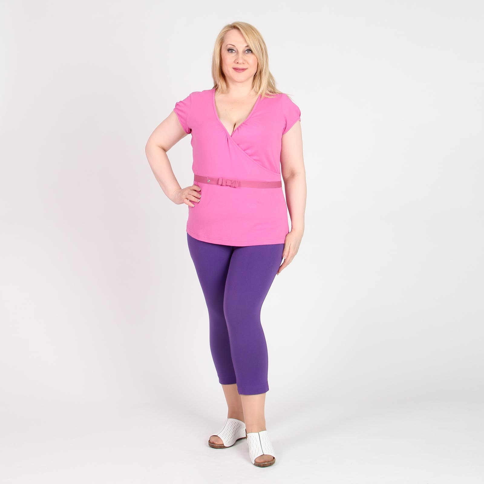 Блуза c V-образным вырезом и поясом в комплекте