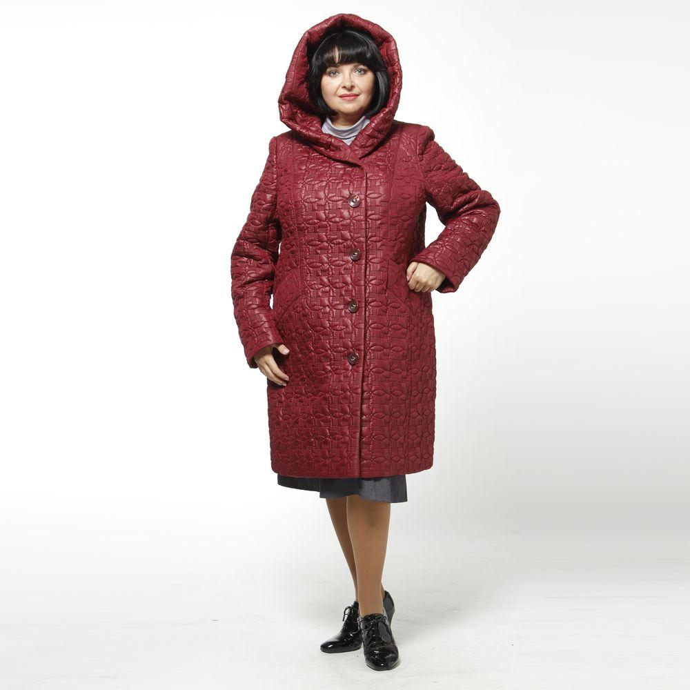 Пальто женское из стеганой ткани с карманами и капюшоном