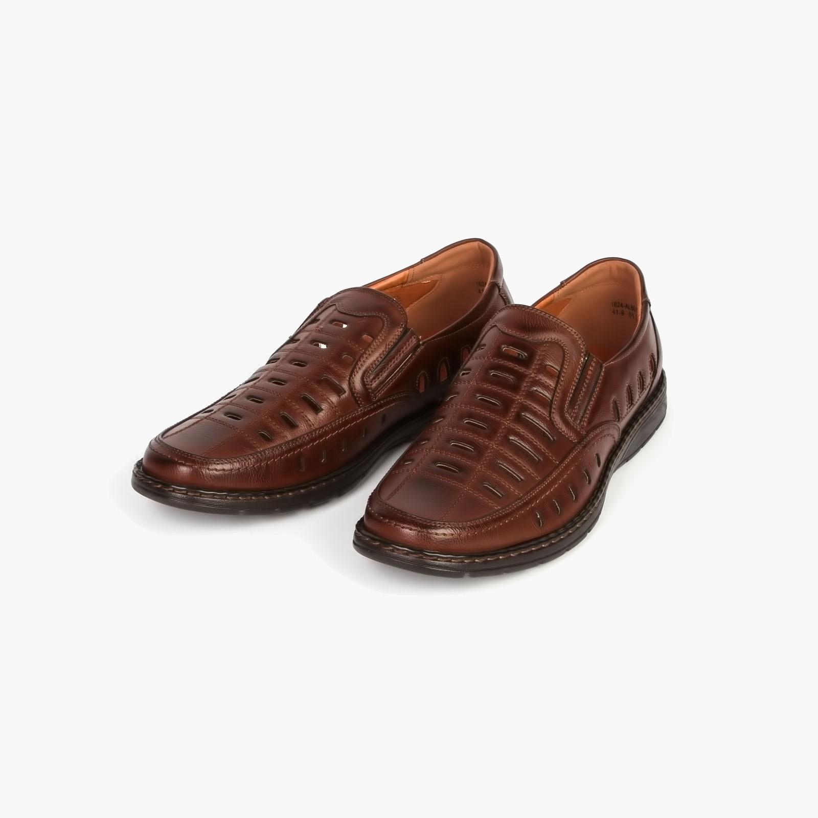 Туфли мужские декорированные сквозной перфорацией на удобной подошве