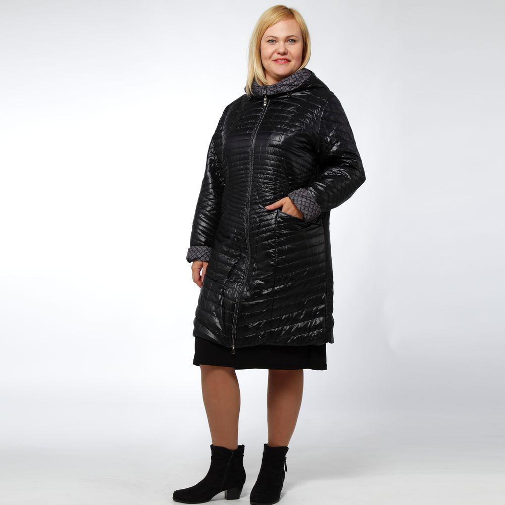 Куртка стеганая с капюшоном и ремнем в комплекте
