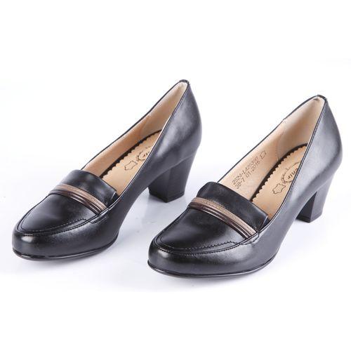 Туфли женские украшенные строчкой и вставкой на мысу