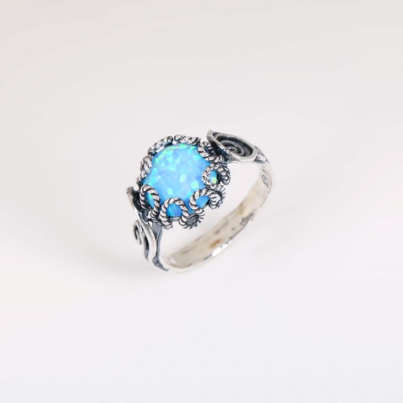 Серебряное кольцо «Взгляд незнакомки»