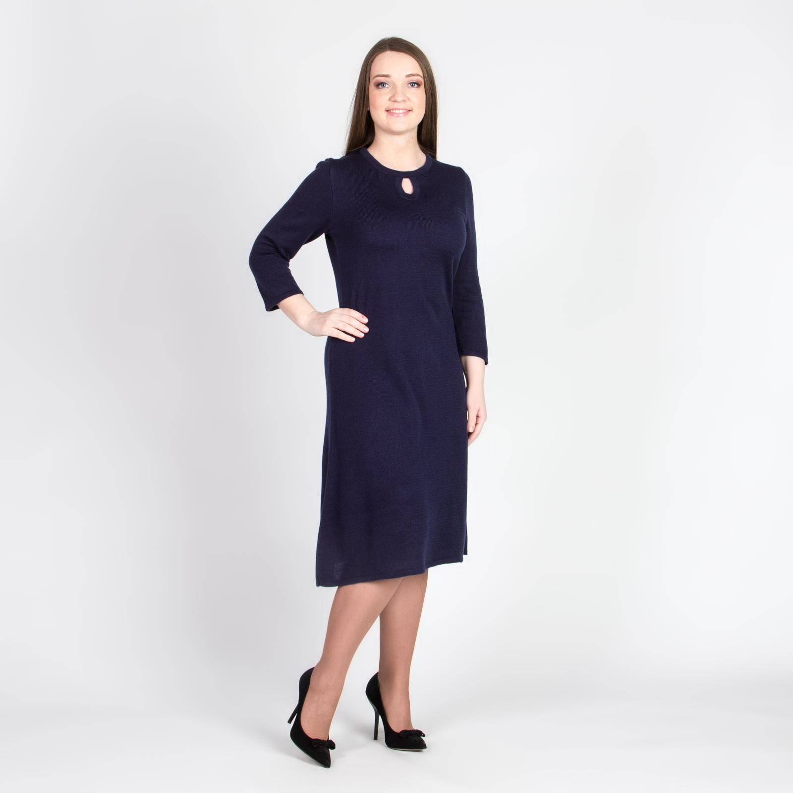 Платье с вырезом «капля» и расклешенной юбкой