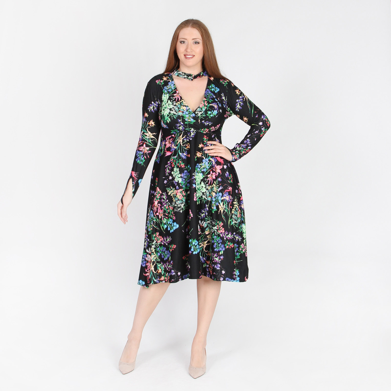 Платье с дизайнерской отделкой