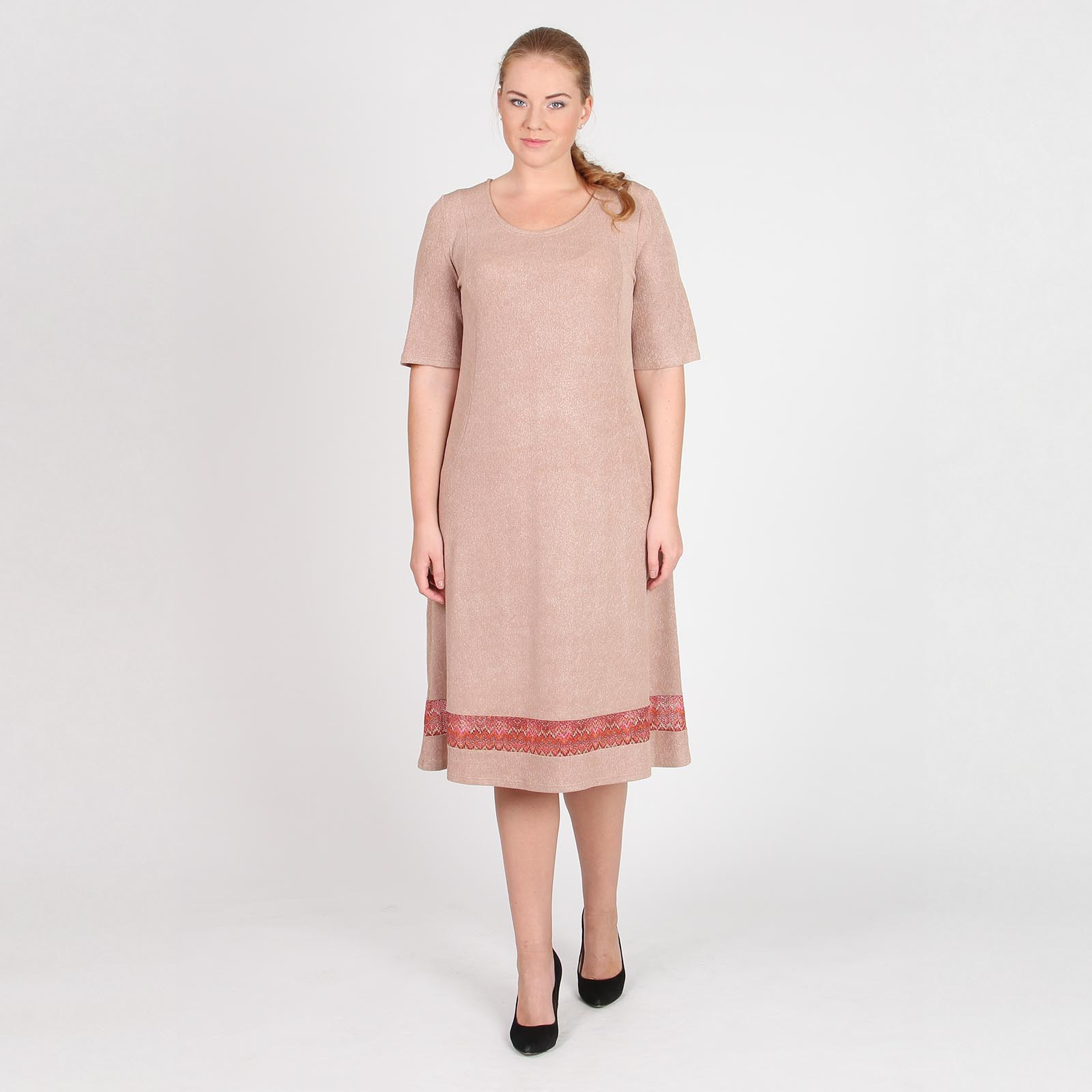 Платье прямого кроя с блестками