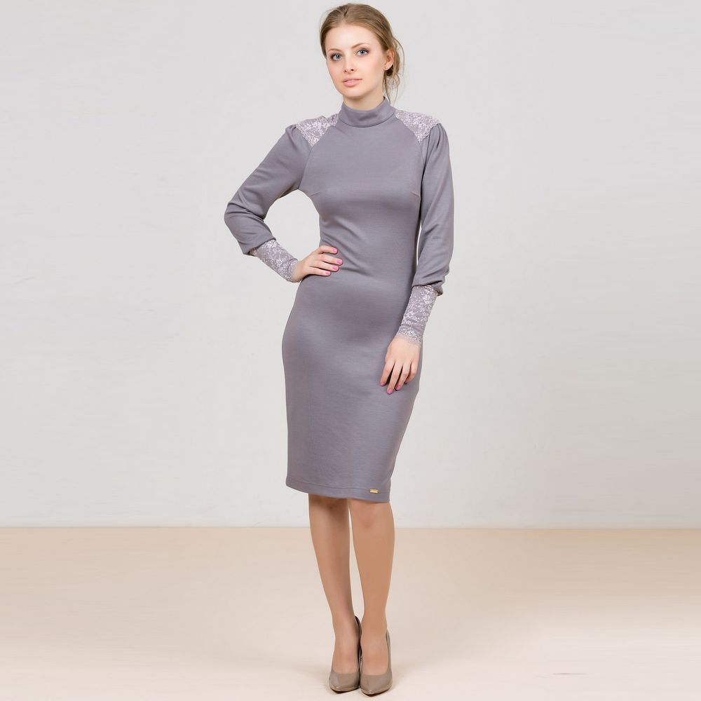 Платье облегающего кроя с кружевной отделкой