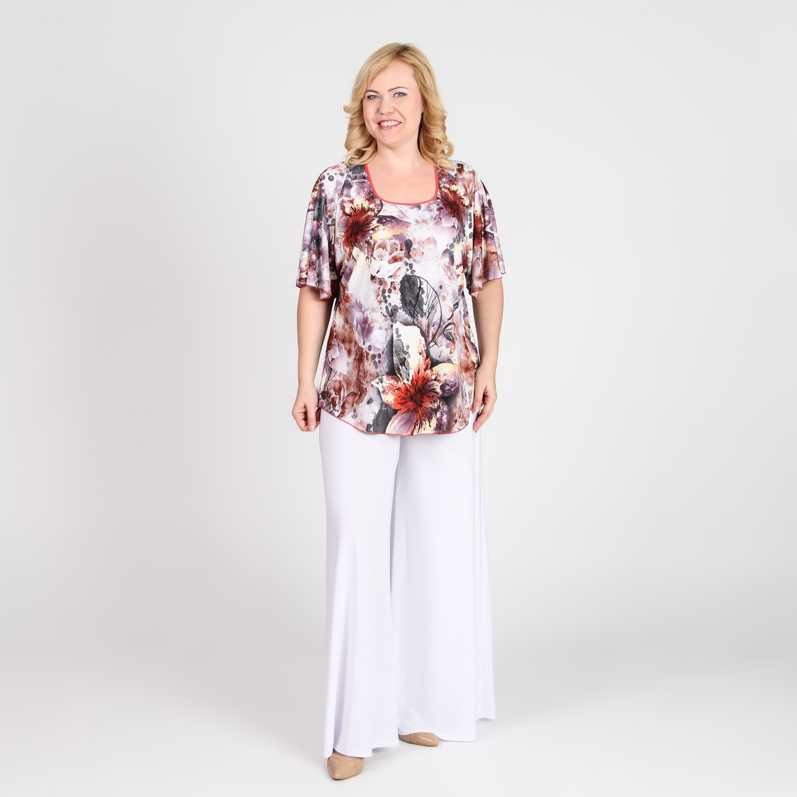 Блуза свободного кроя с рукавами «крылышки»