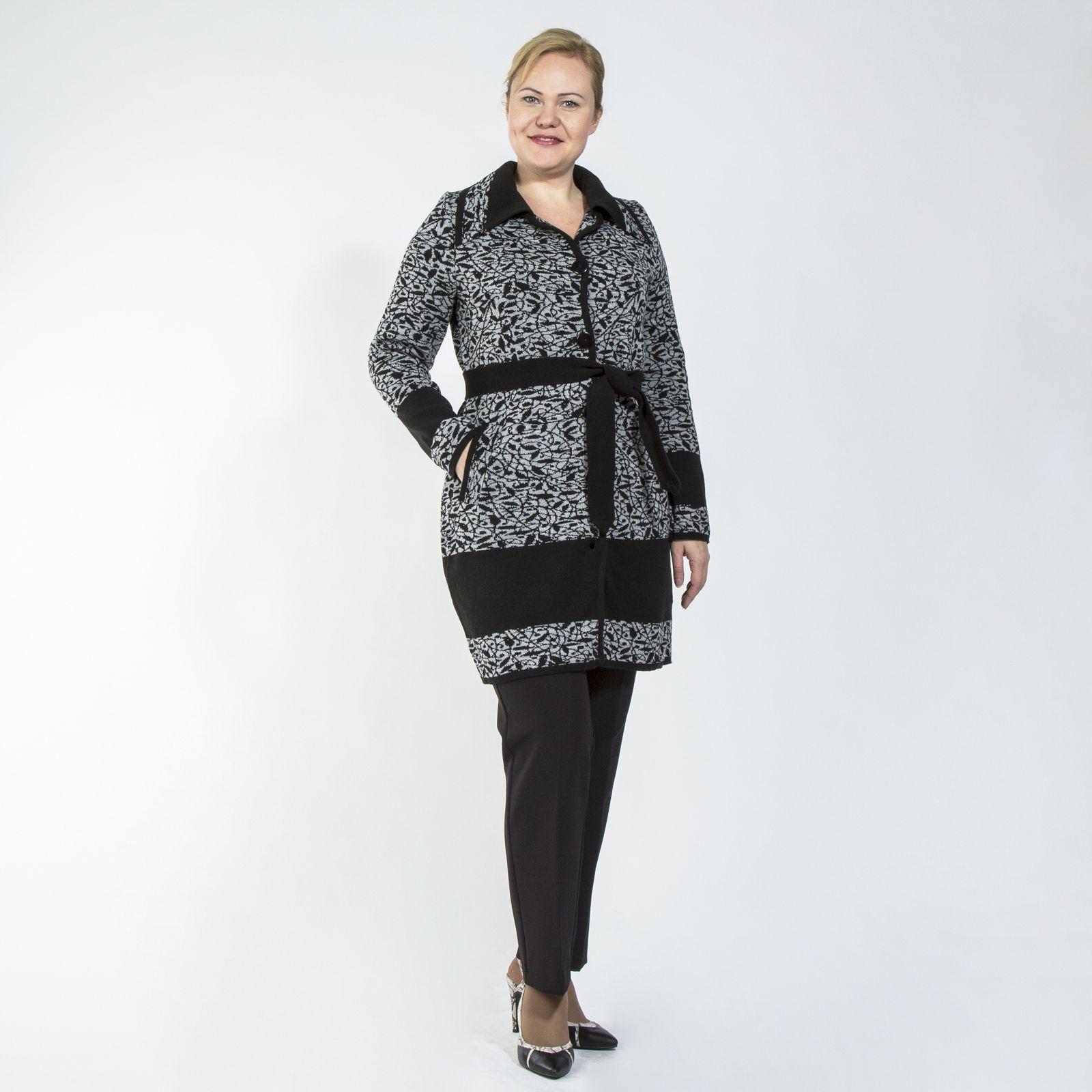 Пальто с карманами и поясом в комплекте
