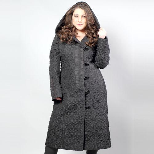 Пальто женское прилегающего силуэта из стеганой ткани с гофрированной отделкой