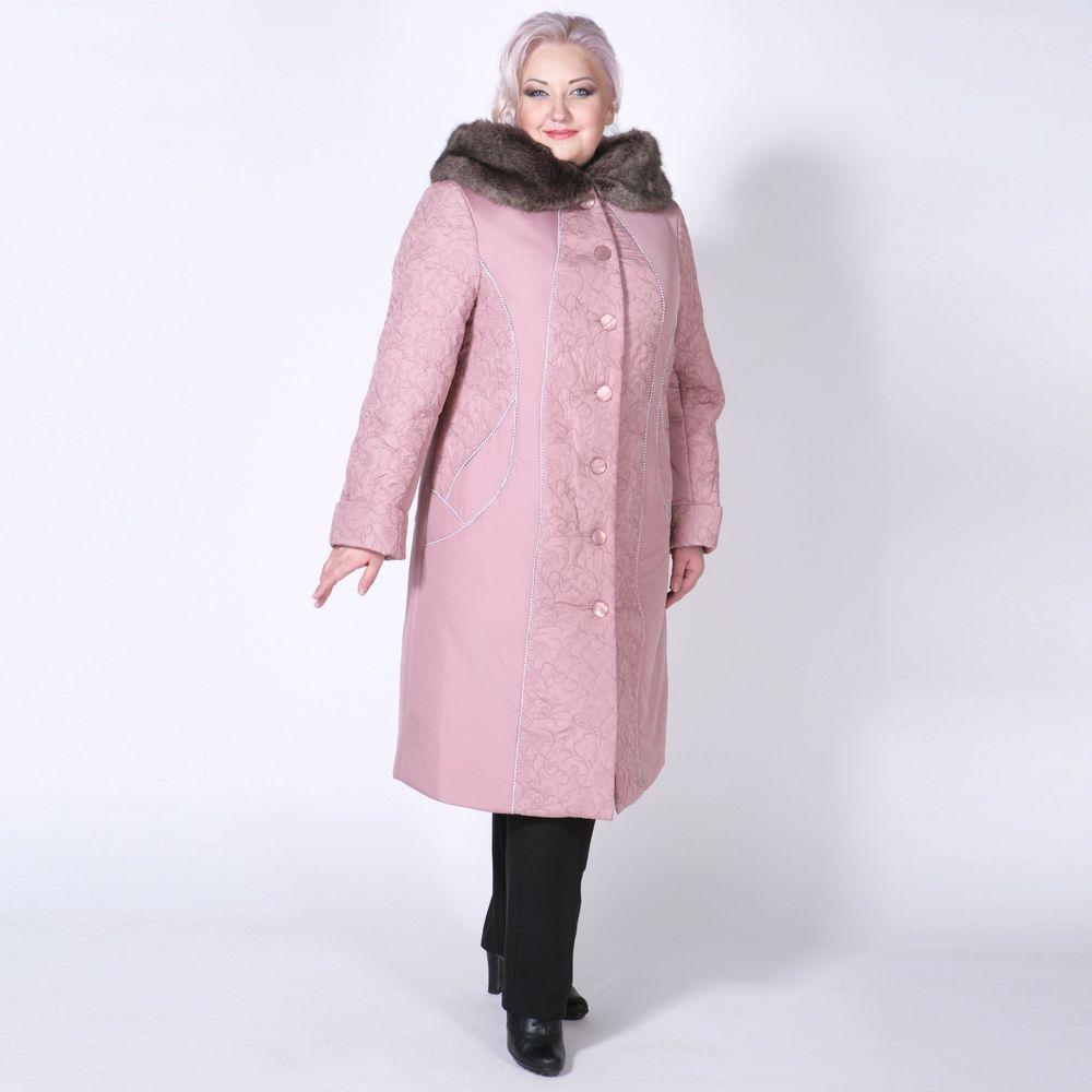 Пальто из стеганой ткани с шикарным меховым капюшоном