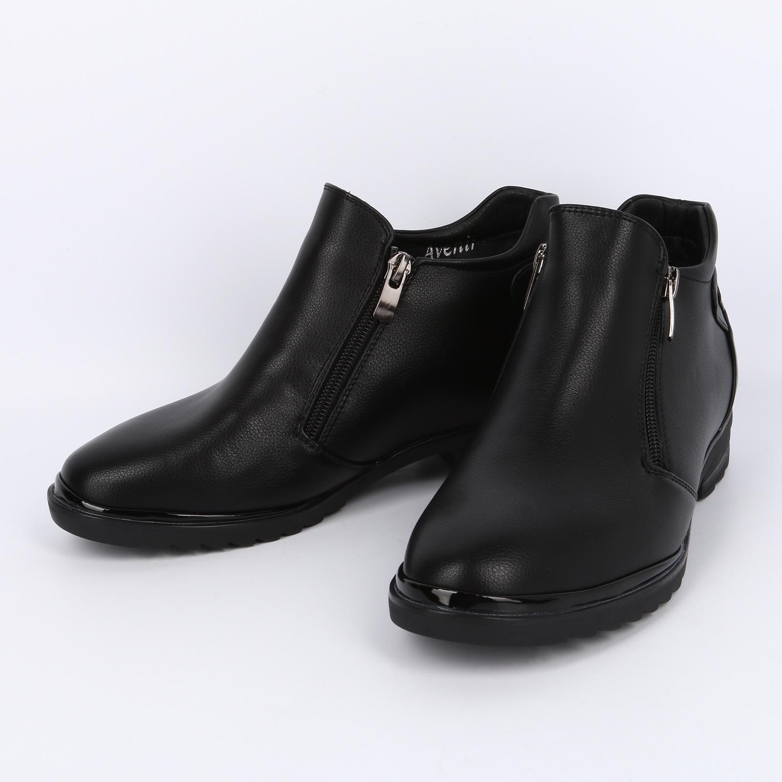 Высокие ботинки с декоративной строчкой
