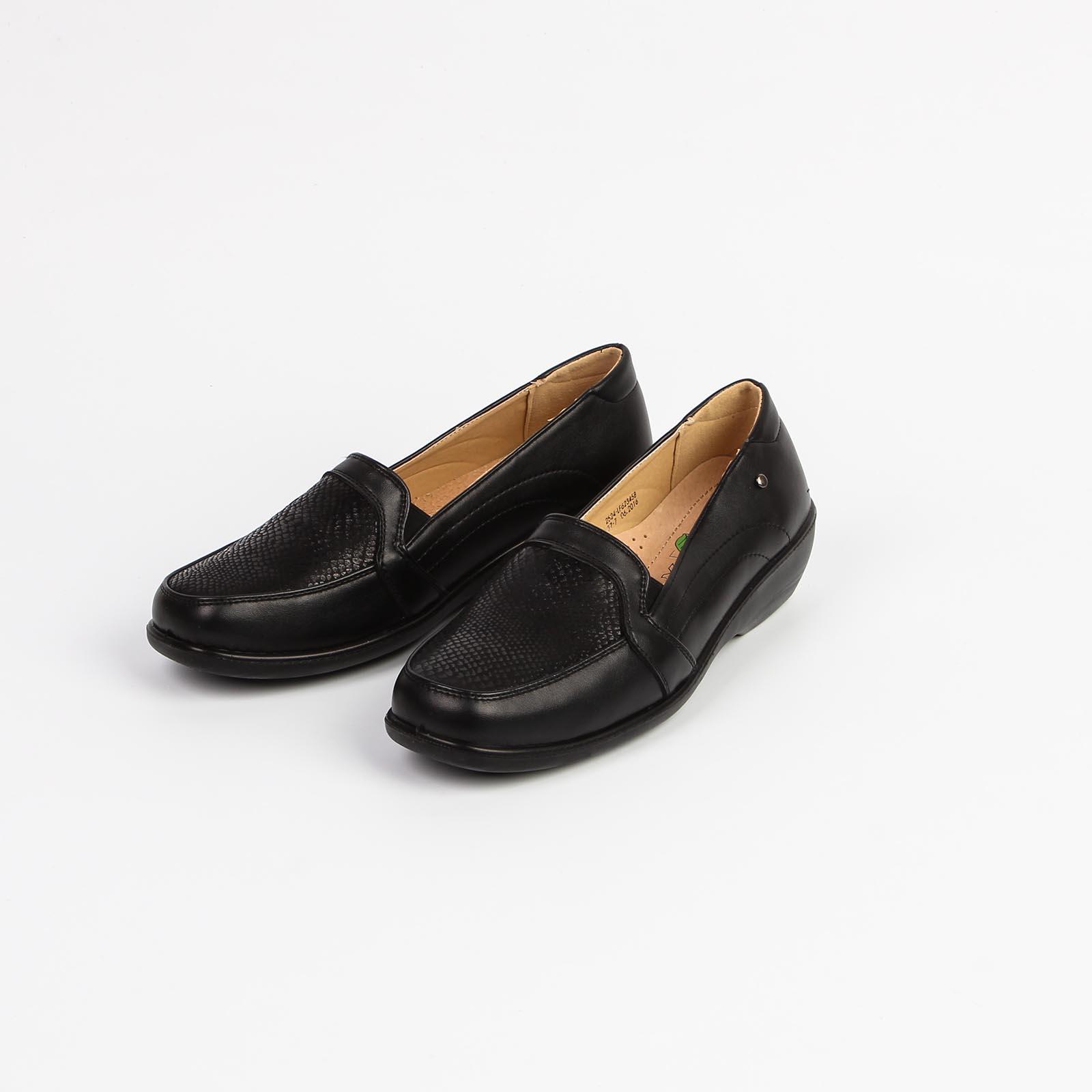 Туфли женские с декоративной строчкой по бокам