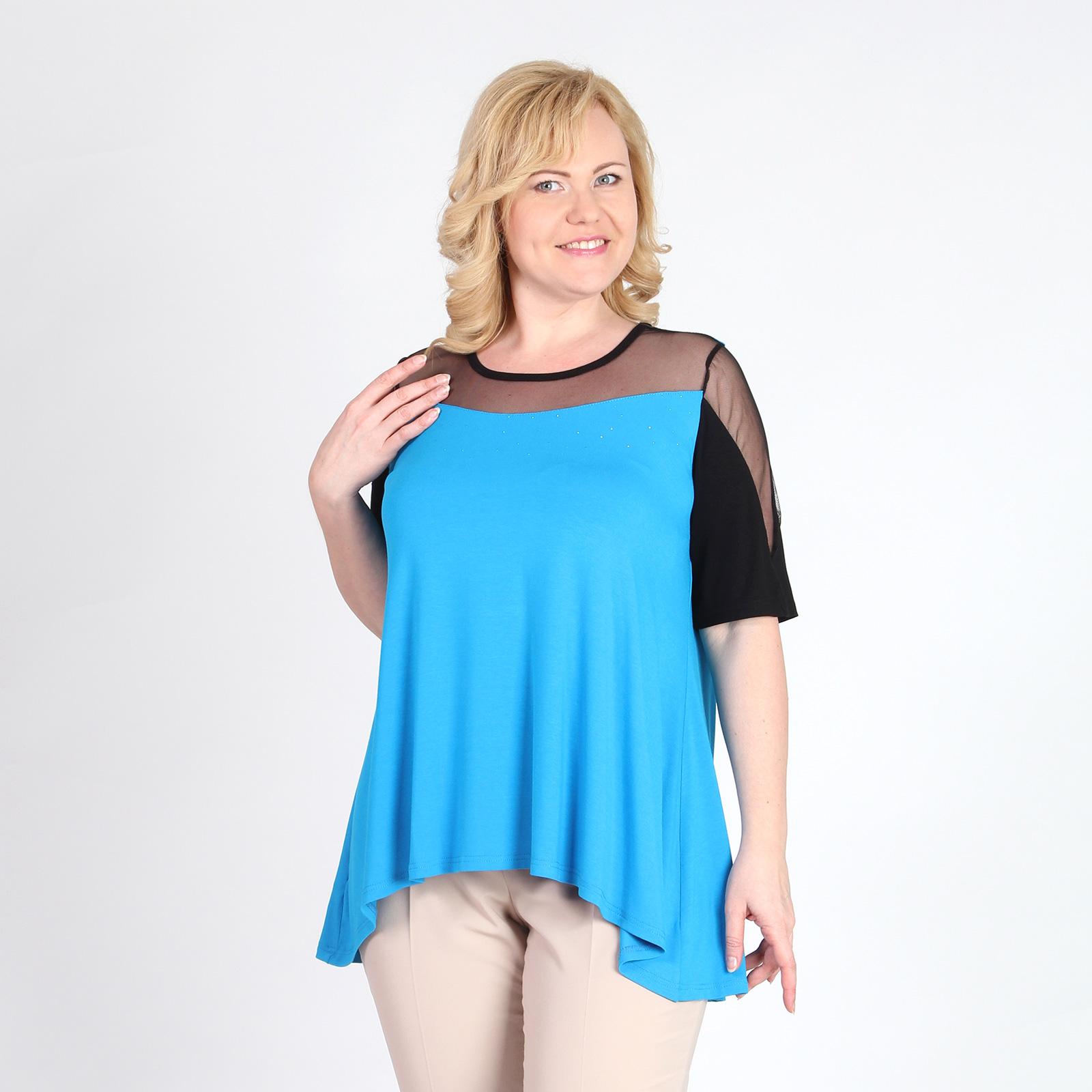 Блуза с гипюровой кокеткой и стразами