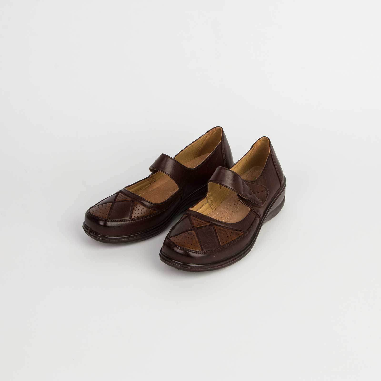 Туфли женские декорированные фигурным принтом на липучке