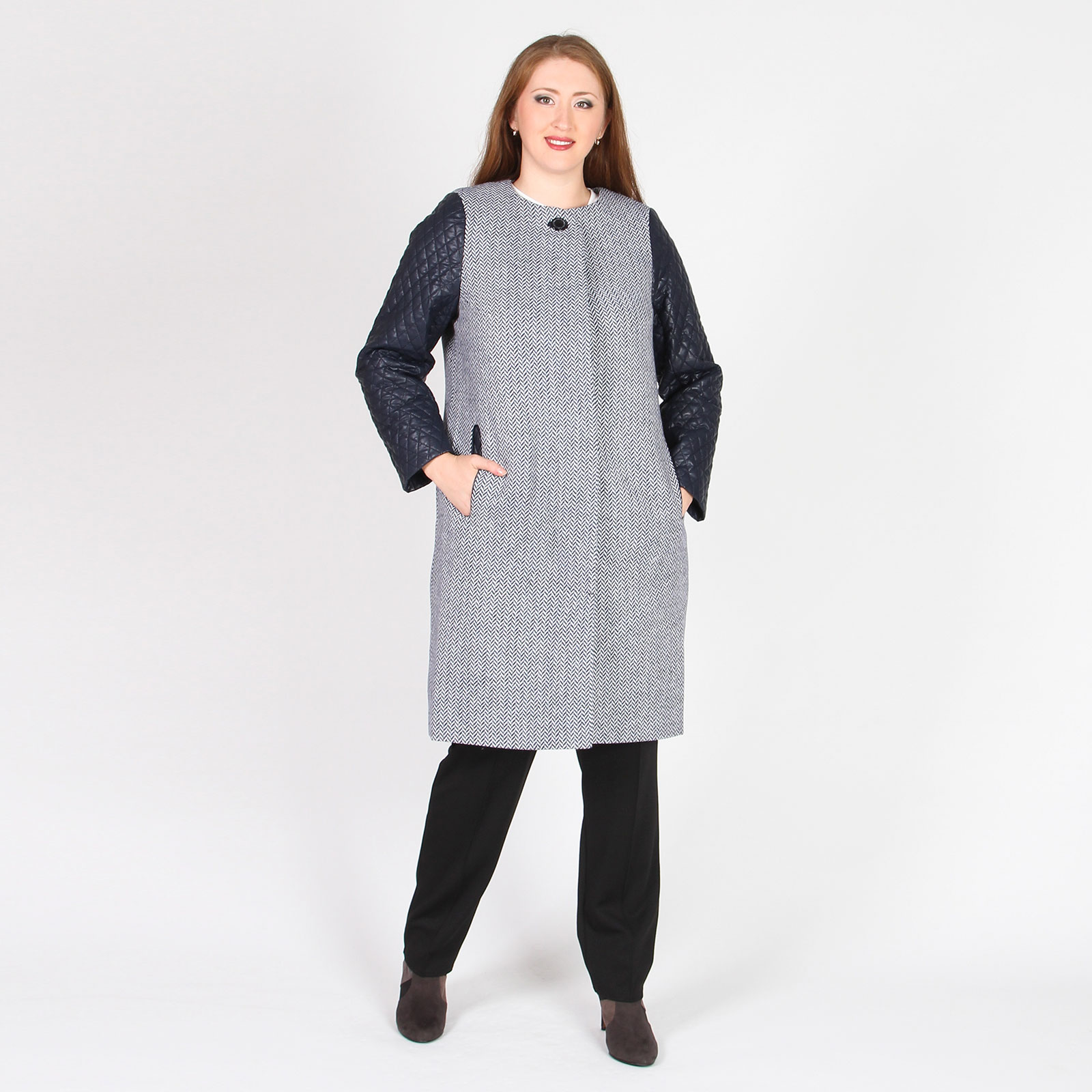 Пальто с контрастными рукавами